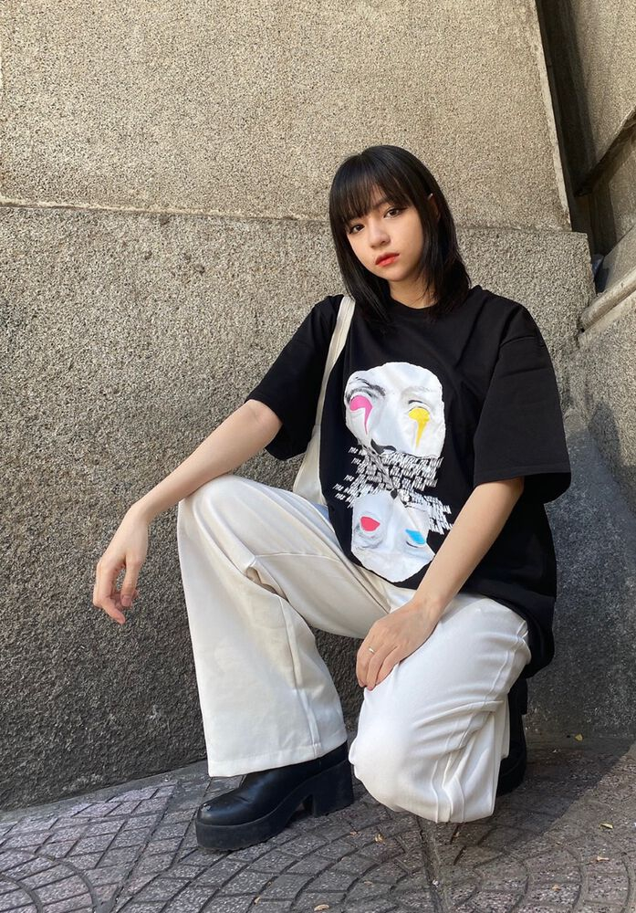 ???????????????????????????????????? - statue face tee