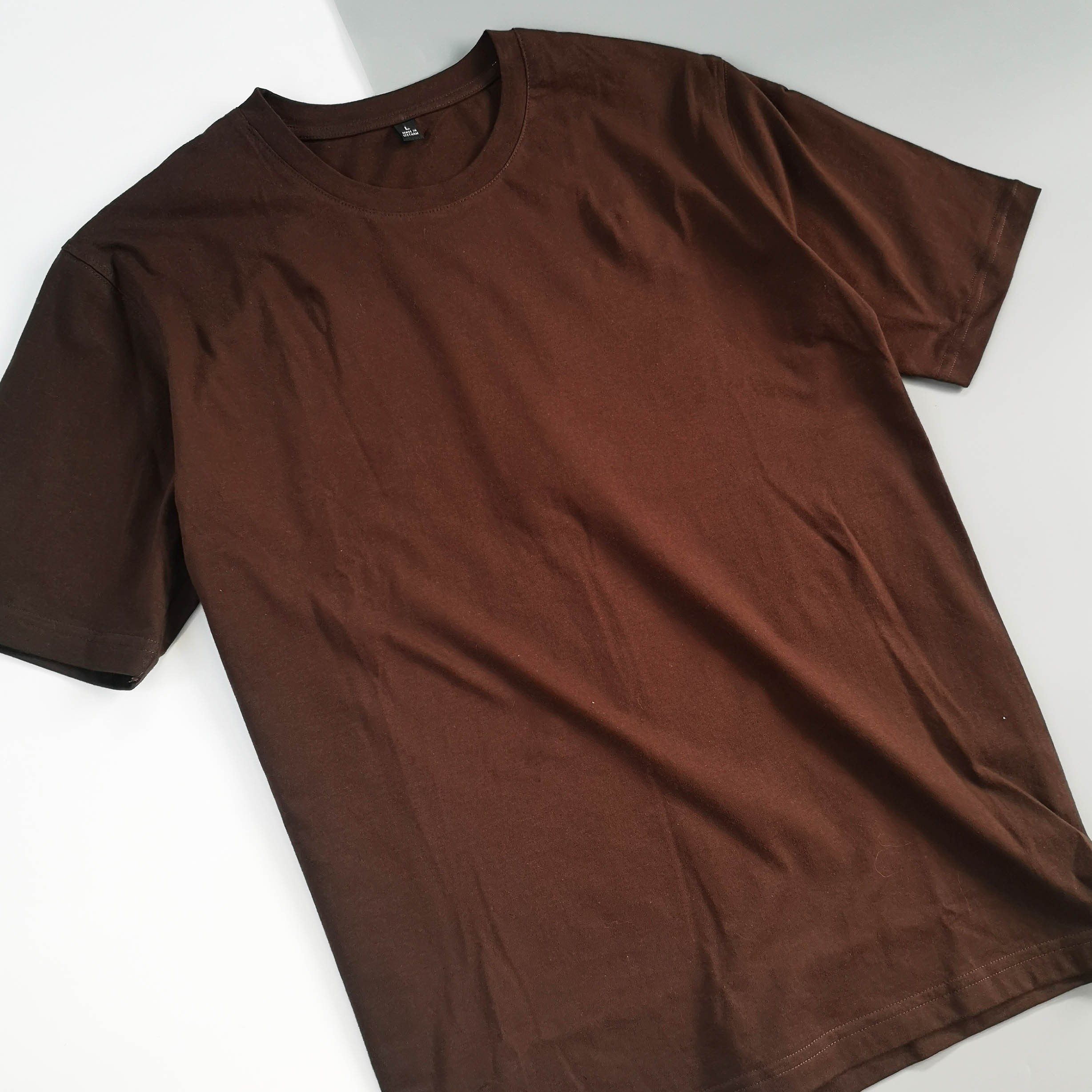 Áo thun unisex cotton 100% in hình Pet lover, it was not me - Silly Pilot pug (chocolate color)
