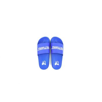 VG Text Slippers Blue