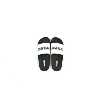 VG Text Slippers White 02